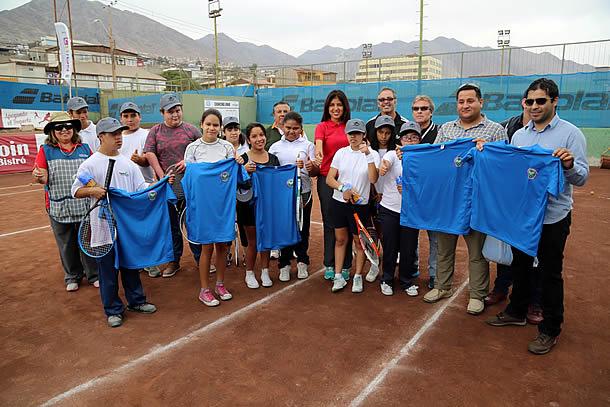 ninos-de-la-escuela-especial-disfrutan-del-tenis-gracias-a-convenio-entre-cmds-y-club-ferroviario