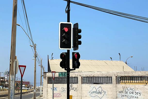 direccion-de-transito-revisa-operativo-de-semaforos-tras-prolongado-corte-de-luz-en-sector-centro