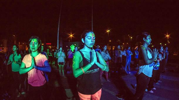 continuan-sesiones-de-afro-yoga-fluor-en-sector-las-almejas