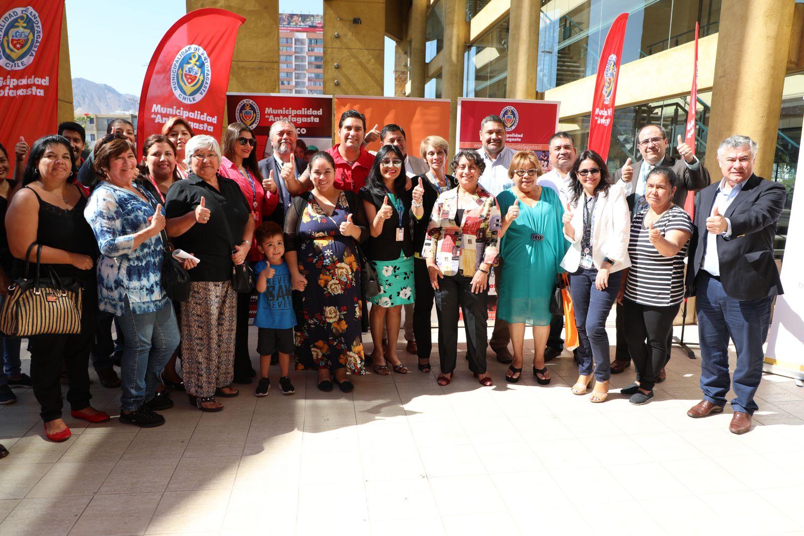 municipalidad-y-banco-estado-firman-convenio-para-fomentar-educacion-financiera-a-mujeres-y-dirigentes-sosciales