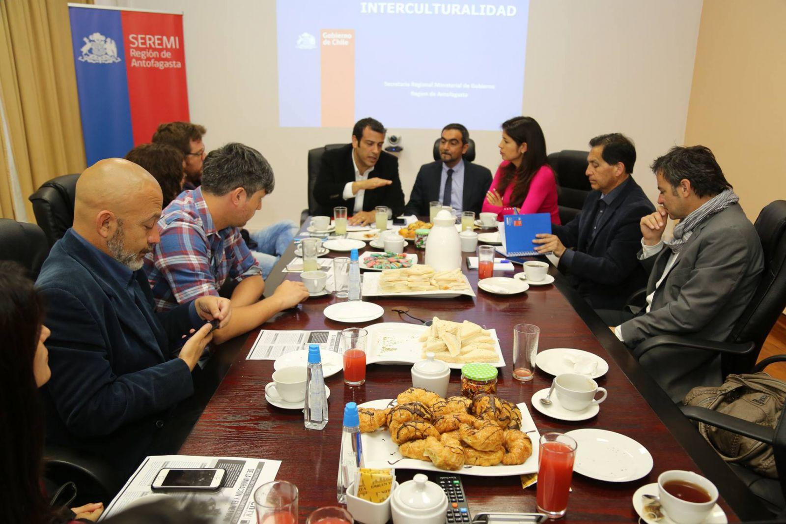 analizan-el-papel-de-los-medios-de-comunicacion-y-periodistas-frente-a-realidad-migratoria-del-pais